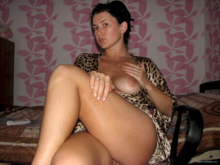 Femme mature coquine soumise pour gars directif de temps en temps disponible