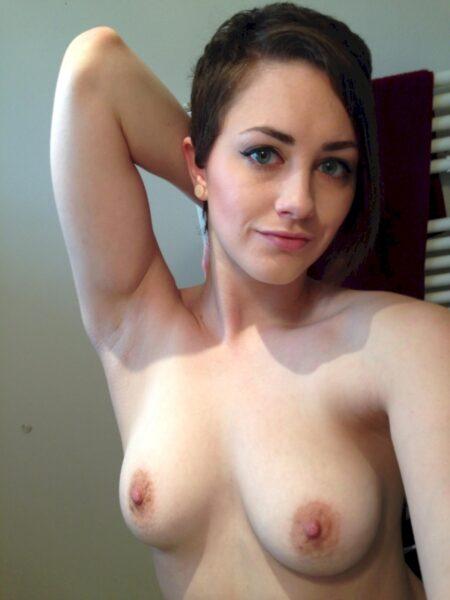 Je recherche un plan sexe hot avec un mec accompli sur le 44