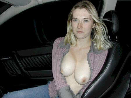 jeune femme coquine soumise pour gars dominateur