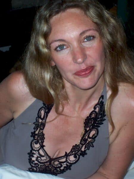 Passez un rdv de baise avec une femme infidèle sexy