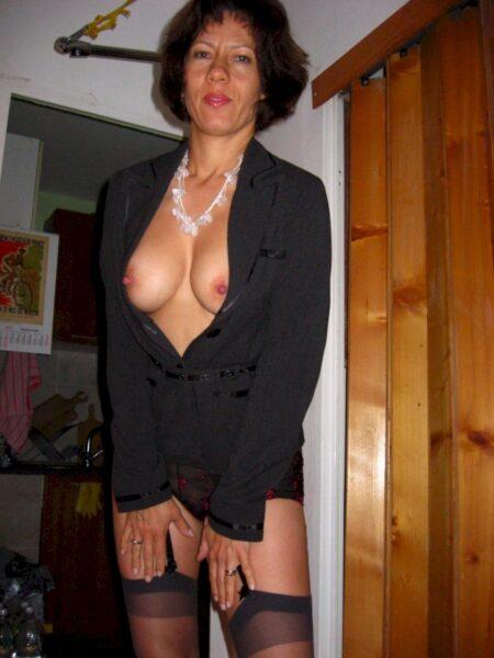 Très belle femme seule recherche un vrai plan sexe d'un soir